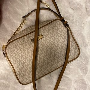 Micheal Kors Medium Logo Crossbody Bag